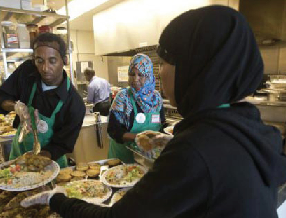 Toronto Muslims Donate Thanksgiving Meals