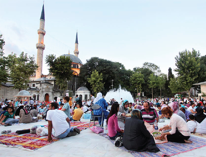 Feeding people is an Ibadaah: Exclusive private Iftar at mosque has no place in Islam
