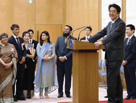 Abe hosts Ramadan dinner for envoys from Muslim world