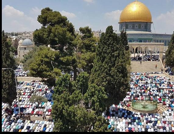 250,000 worshipers pray at Al-Aqsa Mosque on First Jumuah of Ramadan