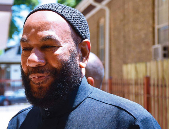 FBI raids house of Imam who helped end American gang violence