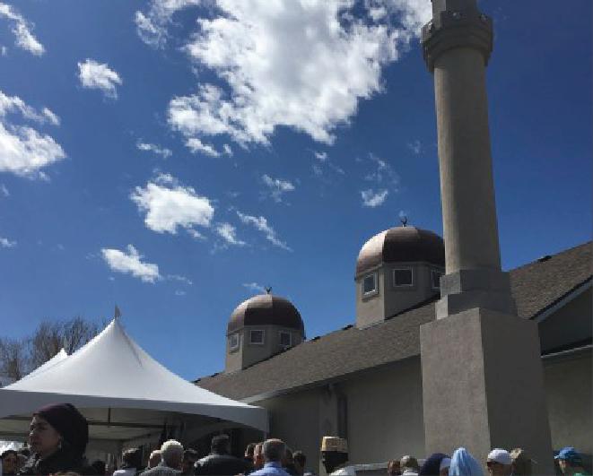 Hundreds celebrate Mile High Islamic Center's grand opening