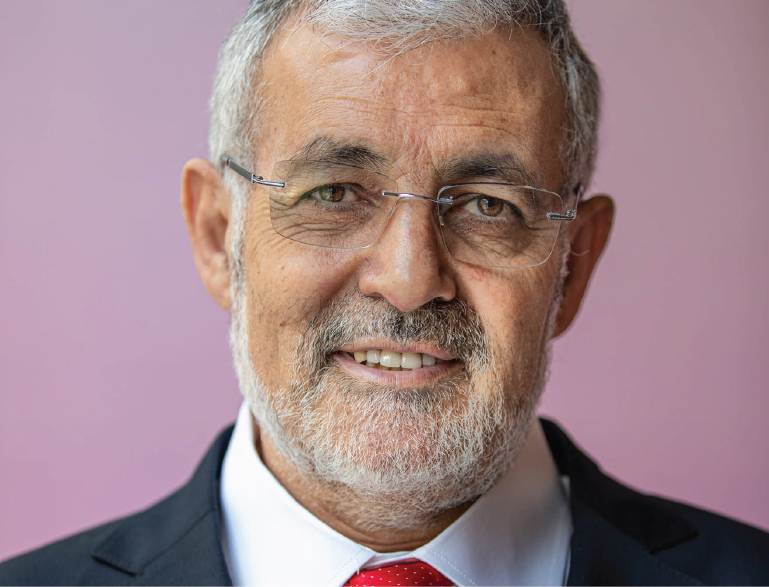 Tossed from the liberal party Imam Hassan Guillet to run as independent