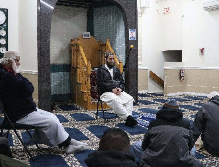 Masjid Ur rahmah hosts seniors daras